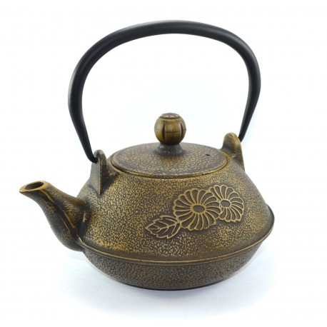 Chrysanthemum cast iron pot
