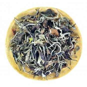 Белый чай с чайных деревьев (Бай Му Дань)